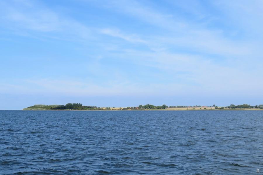 2018-08-18 mittags in der Bucht von WISMAR, auf der Poeler Kogge 'Wissemara', entlang des Westufers der Insel Poel